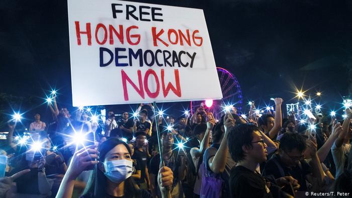 Hong Kong Protestors on Phones